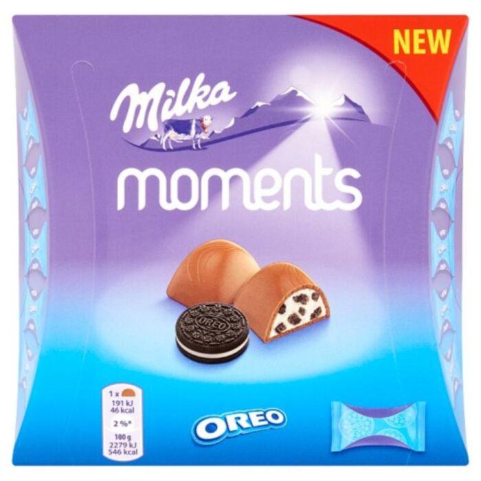 Milka Moments Oreo Alpesi Tejcsokoládé Tejes Krémtöltelékkel és Kakaós Kekszdarabokkal 92g